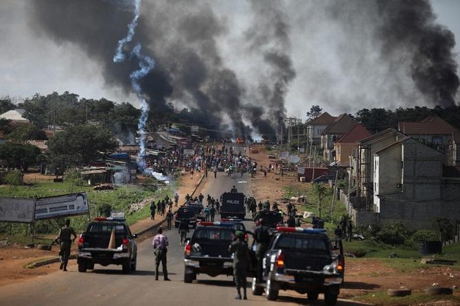 ใช้ความรุนแรงของจริง!กองกำลังไนจีเรียรัวยิงม็อบฝ่าฝืนเคอร์ฟิว ตายหลายศพ