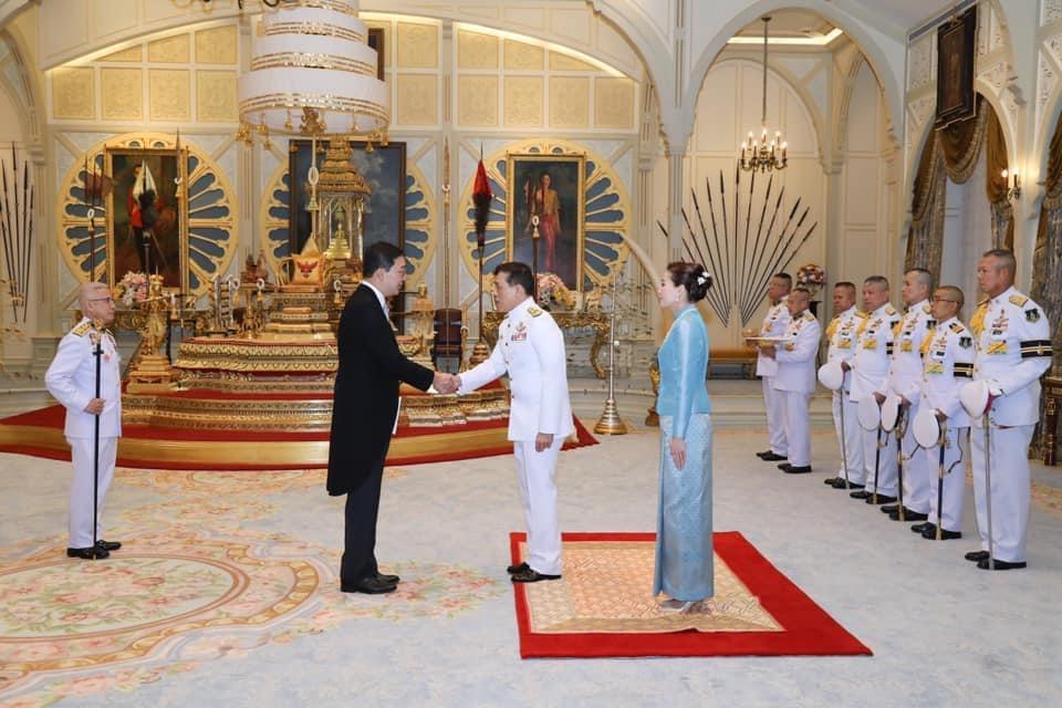 ในหลวง พระราชทานพระบรมราชวโรกาสให้เอกอัครราชทูตต่างประเทศประจำประเทศไทย เฝ้าฯ ถวายอักษรสาส์นตราตั้ง