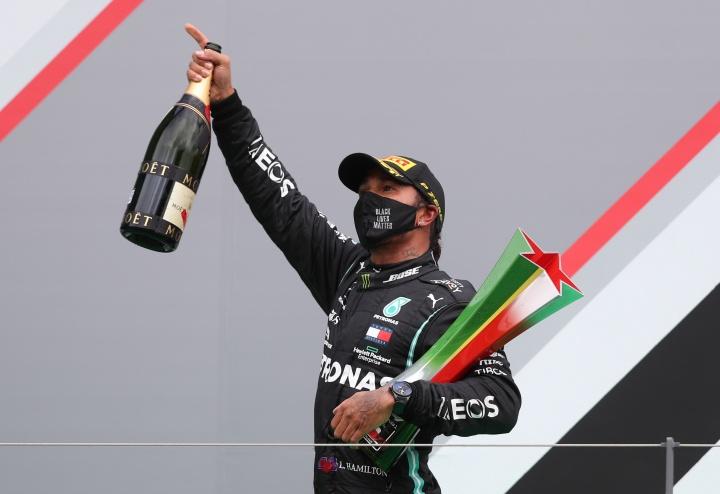 """""""แฮมิลตัน"""" จารึกชื่อลงประวัติศาสตร์ แชมป์ F1 92 สนามสูงสุดตลอดกาล"""