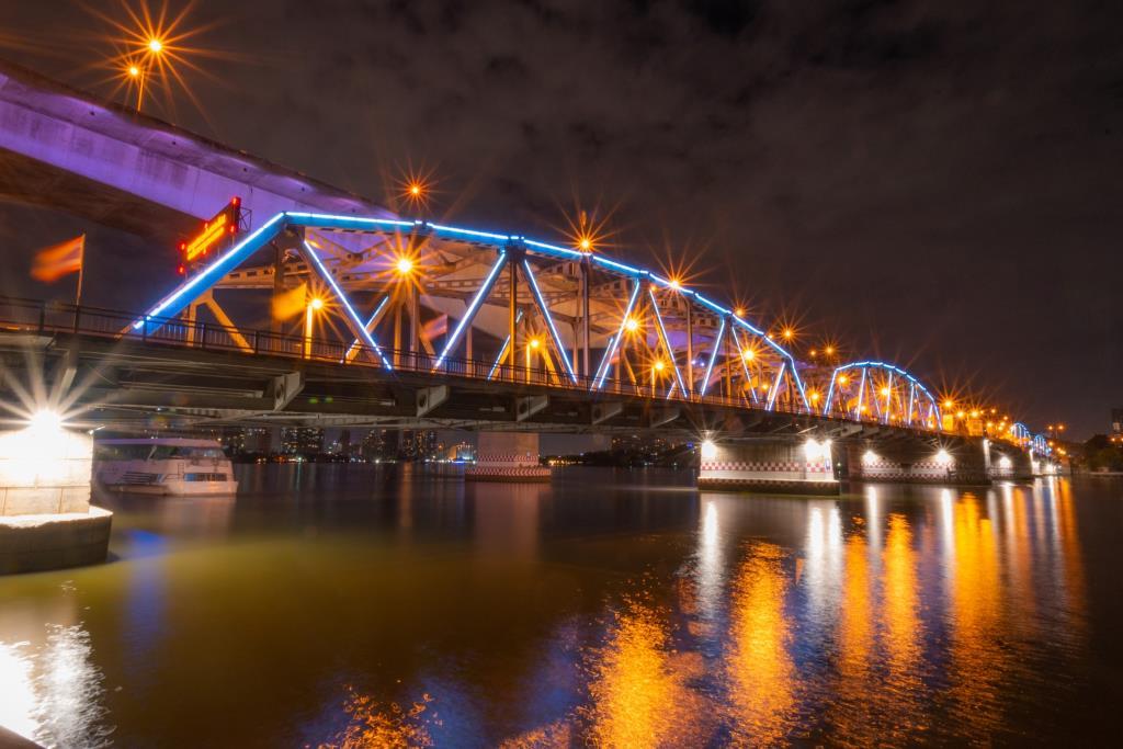 ทช.เปิดไฟประดับ13สะพานข้ามแม่น้ำเจ้าพระยา คืนลอยกระทง