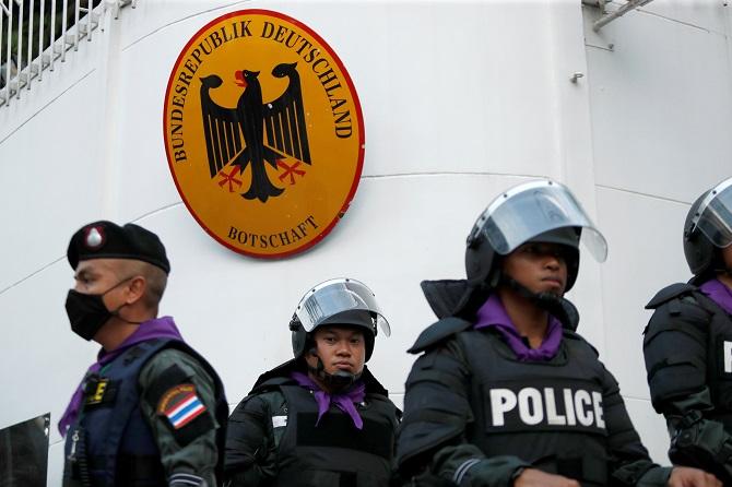 คณะราษฎรหน้าแตก! เยอรมนียืนยันกษัตริย์ไทยไม่ได้ละเมิดข้อห้ามปฏิบัติภารกิจทางการเมือง
