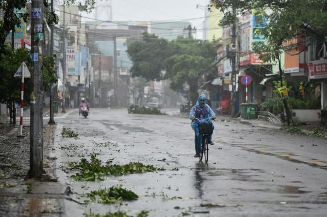 ยอดดับเซ่นไต้ฝุ่นโมลาเบในเวียดนามขยับเป็น 25 สูญหายอีก 40