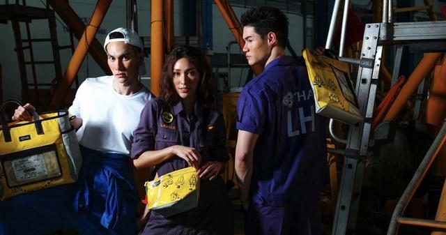 """การบินไทย ไอเดียกรีน! ขายกระเป๋า """"Re-Life Collection"""" ที่ดัดแปลงมาจากเสื้อชูชีพ-แพยาง ตอบโจทย์ Upcycle"""