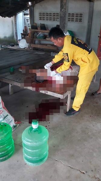 ทวงหนี้โหด! ปาดคอชายวัย 46 ปี  บาดเจ็บสาหัสหน้าบ้านพัก
