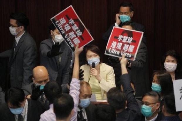 โดนรวบเป็นชุด!จับ7ส.ส.ฝักใฝ่ประชาธิปไตยฮ่องกง ฐานขัดขวางประชุมสภาฯ