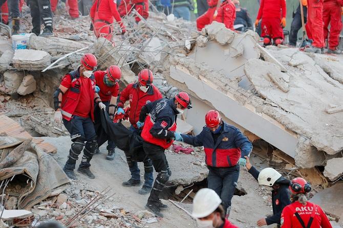 ชายชราวัย70ปีรอดหลังติดใต้ซาก33ชั่วโมง ยอดเหยื่อแผ่นดินไหวตุรกีพุ่ง62ศพ