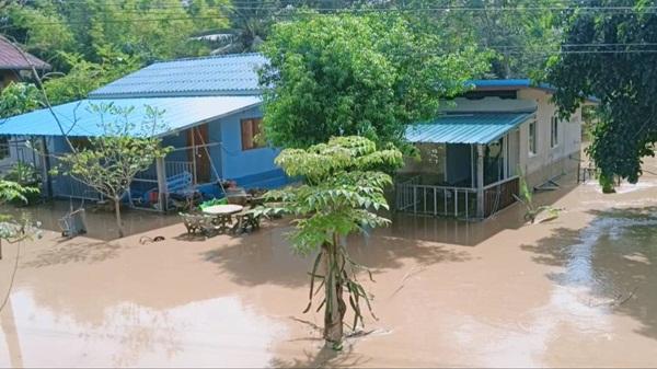 คาดสถานการณ์น้ำป่าทะลักท่วม อ.นาดี จ.ปราจีนบุรี กลับสู่ภาวะปกติช่วงเย็นวันนี้