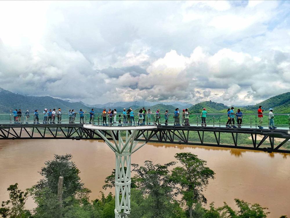 อยู่สูงกว่าระดับแม่น้ำโขงราว 80 เมตร