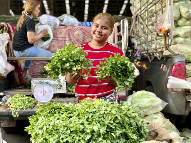 """ตลาดสี่มุมเมือง ย้ำจุดแข็งตลาดค้าส่งผักใหญ่ที่สุดในอาเซียน ชวนซื้อ """"ผัก"""" คุณภาพดี ราคายุติธรรม เปิด 24 ชม. จบครบในที่เดียว"""