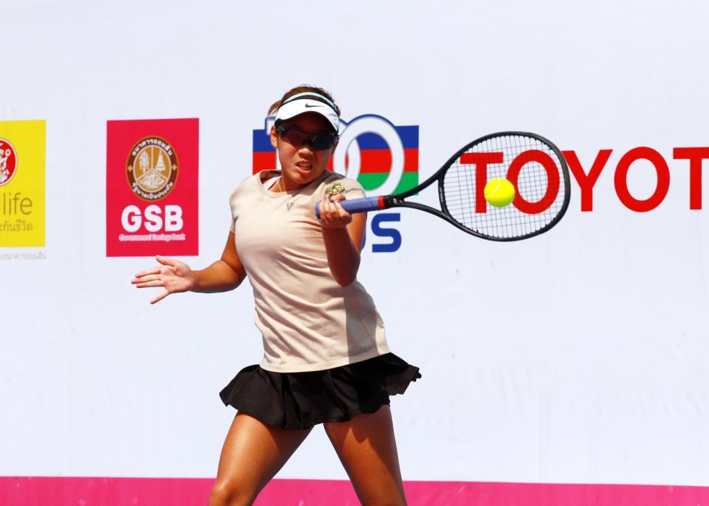 พัณณิน โควาพิทักษ์เทศ วัย 17 ปี หวดชนะ ณัฐนิดา หลวงแนม นักเทนนิสรุ่นพี่ มือวาง 1 ของรายการ