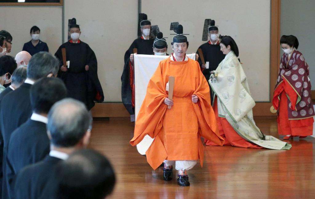 จักรพรรดินารูฮิโตะสถาปนาพระอนุชา ให้เจ้าชายฟูมิฮิโตะเป็นมกุฎราชกุมาร