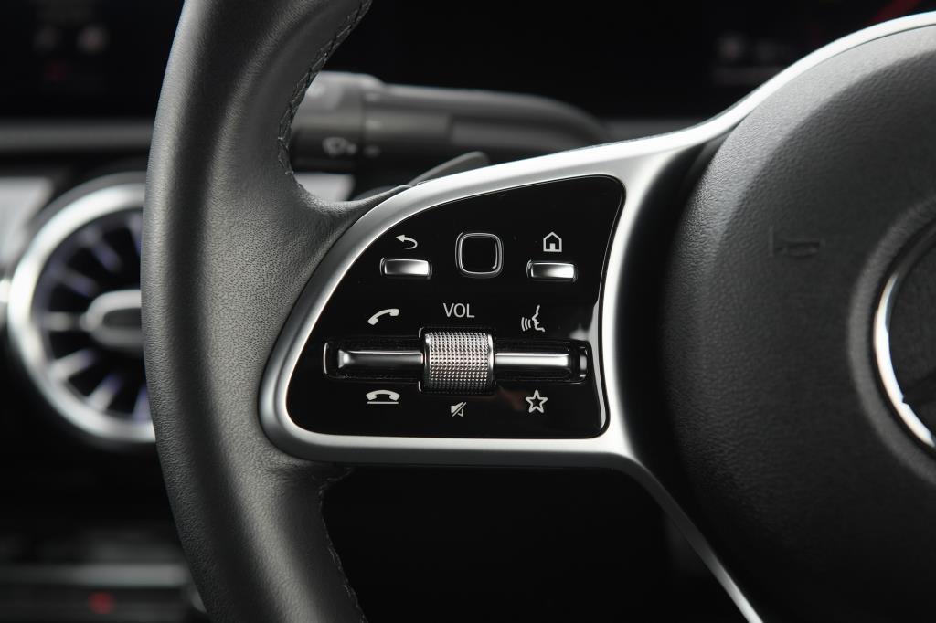 ภายใน  Mercedes-Benz A 200 Progressive