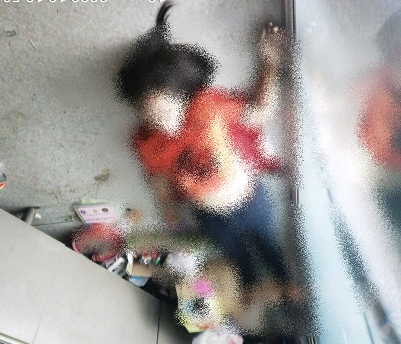ลูกเขยโหดใช้ 11 มม.จ่อยิงแม่ยาย รองนายกหญิง อบต.ห้วยทรายดับคาร้านขายโลงศพ