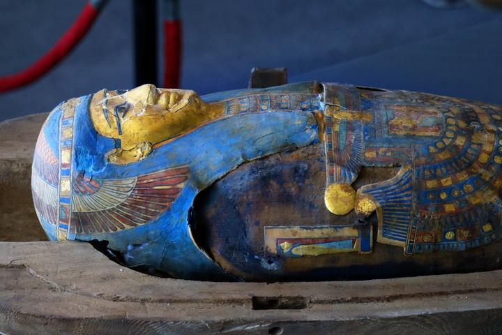 """ฮือฮาอีกครั้ง! อียิปต์พบ """"100 โลงศพไม้โบราณ"""" สภาพสมบูรณ์จากราชอาณาจักรทอเลมี"""