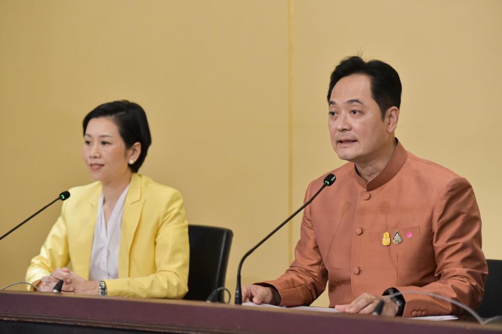 ครม.ทุ่ม 6 พันล้าน เห็นชอบโครงการจัดหาวัคซีนป้องกันโควิดสำหรับชาวไทย