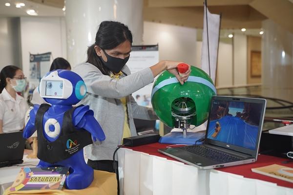 ไจโร โรลเลอร์ (Gyro Roller)  อุปกรณ์เพื่อการบำบัดและฟื้นฟูผู้ป่วยโรคหลอดเลือดสมอง