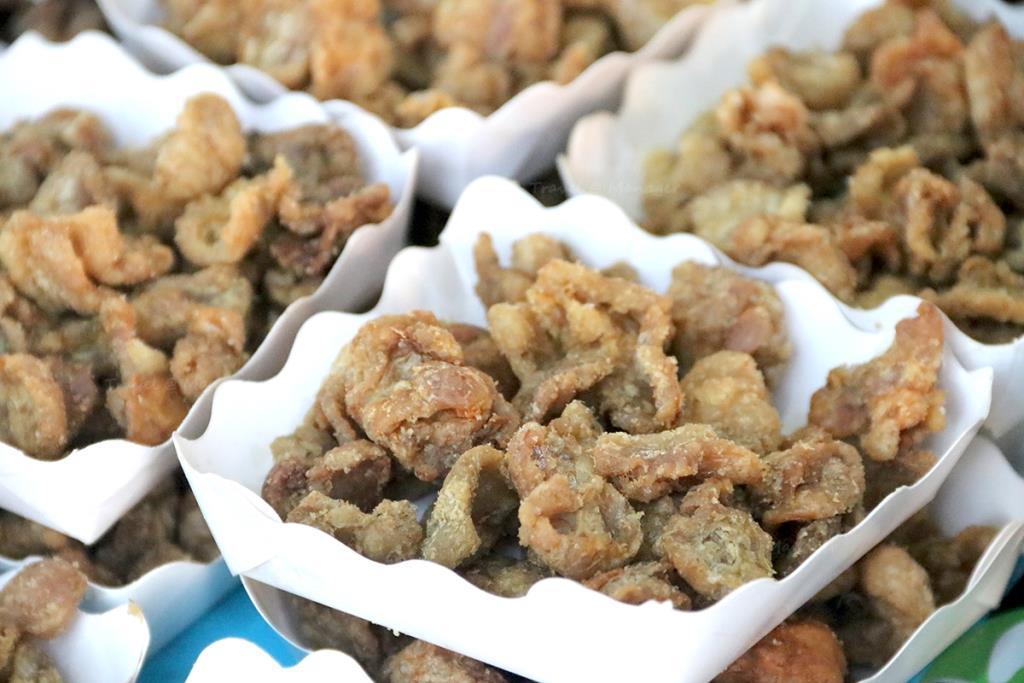 หนังไก่ อาหารโปรดของนกอพยพ