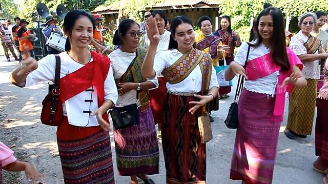 เปิดตลาดวัฒนธรรมลาวเวียงบ้านเลือก ท่าลาว ส่งเสริมท่องเที่ยว วัฒนธรรมสร้างงานสร้างรายได้สู่ชุมชน