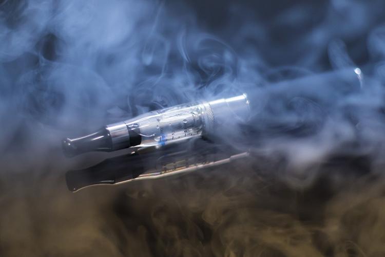 เพจดังเผยทางรอดโรงงานยาสูบ หลังคนแห่ใช้บุหรี่ไฟฟ้า
