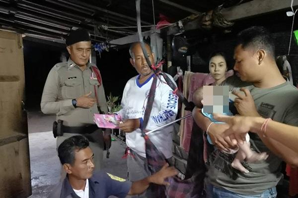 สลด ! ยายทิ้งหลานวัย 2 เดือนให้ตนงานพม่าเลี้ยงอ้างฐานะยากจน