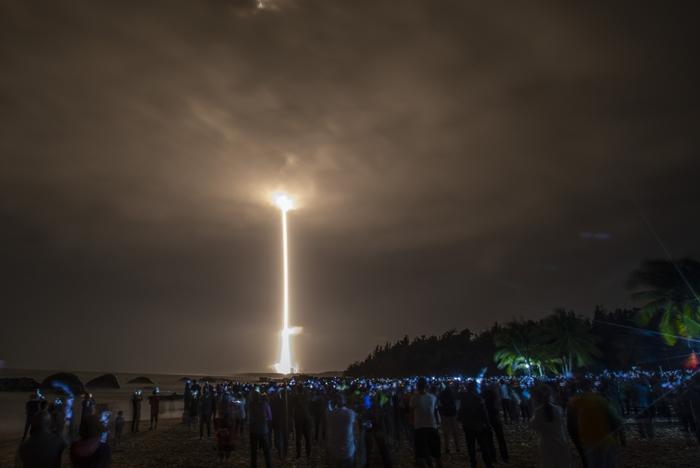 ปักกิ่งสานฝันเป็นมหาอำนาจในอวกาศ ปล่อยจรวดส่งยานเก็บตัวอย่างบนดวงจันทร์