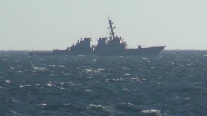 เกือบวุ่น!เรือพิฆาตรัสเซีย-สหรัฐฯหวิดปะทะกลางทะเล กล่าวหาละเมิดน่านน้ำ(ชมคลิป)