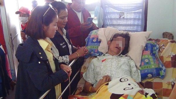 คนไทยไม่ทิ้งกัน! หลายหน่วยงานเมืองแปดริ้วรุดช่วยสาวใหญ่เครียดตกงานทำเส้นเลือดสมองแตก