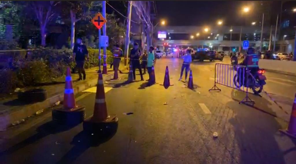 ม็อบรุมประชาทัณฑ์คนร้ายส่ง รพ. ก่อเหตุยิงปืน-ปาระเบิดการ์ดเจ็บ 1