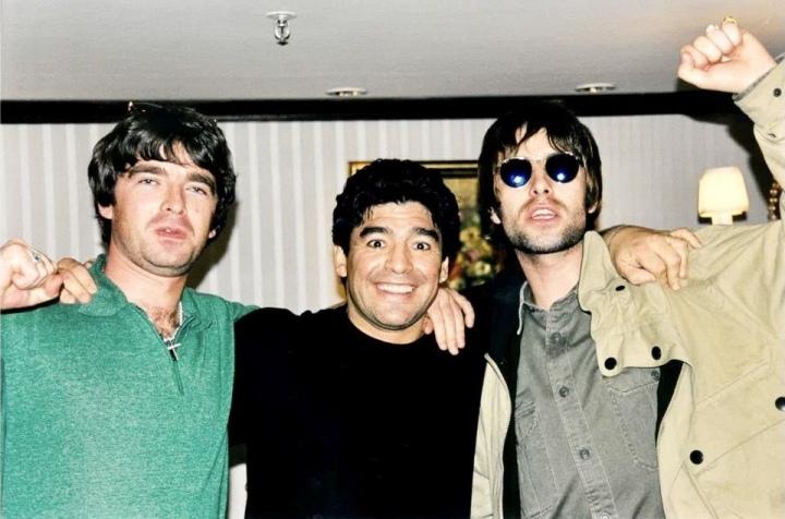 """""""เลียม"""" อดีตนักร้อง Oasis รำลึกวันที่เกือบโดน """"มาราโดน่า"""" ชักปืนยิง"""