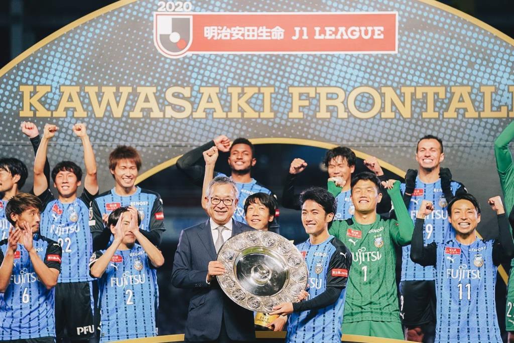 """""""คาวาซากิ ฟรอนตาเล่"""" ยอดทีมแห่งลีกญี่ปุ่นยุคใหม่ / แมวดำ"""