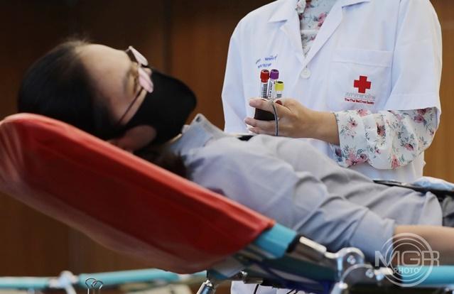 """""""หมอแล็บ"""" เผยความจริง! หลังมีคนเข้าใจผิดกรณี สภากาชาดฯนำเลือดไปขายต่อ ยัน เป็นข่าวเฟกนิวส์"""
