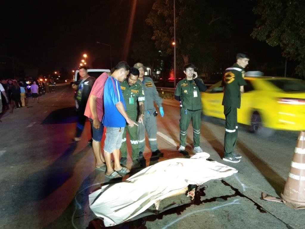 หนุ่มรุ่นเสียชีวิตจมกองเลือดกลางถนน คาดถูกรถชนแล้วหลบหนี