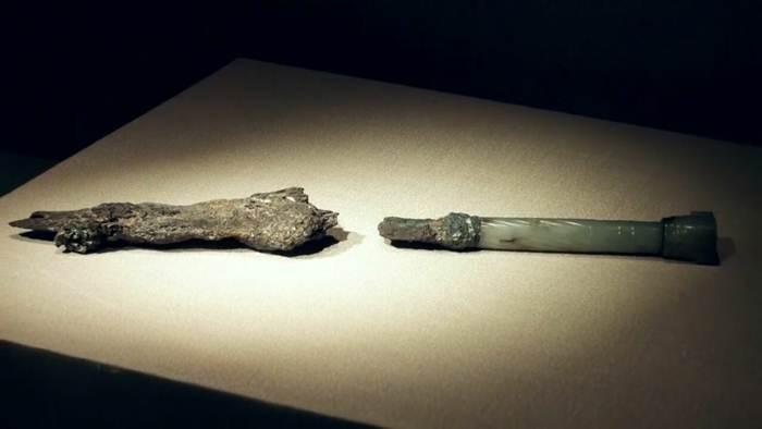 ชม 'กระบี่เล่มแรกของจีน' อายุ 2,800 ปี สมบัติล้ำค่าของจีน