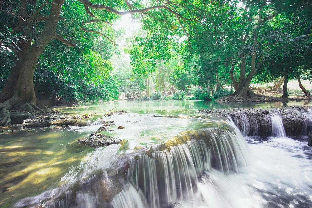 น้ำตกเกาะสีชัง (ภาพ : เพจ อช.น้ำตกเจ็ดสาวน้อย)