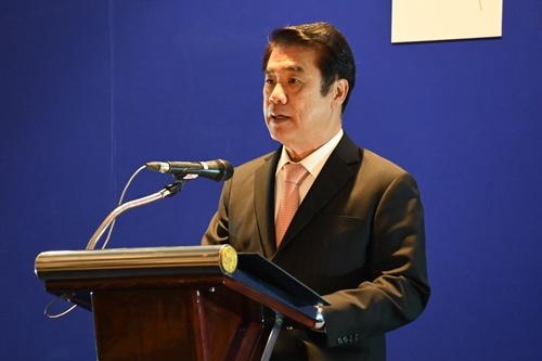 รมว.สุริยะ เป็นประธานในพิธีมอบรางวัล ธุรกิจยานยนต์ยอดนิยม ประจำปี 2563 (TAQA Award 2020)