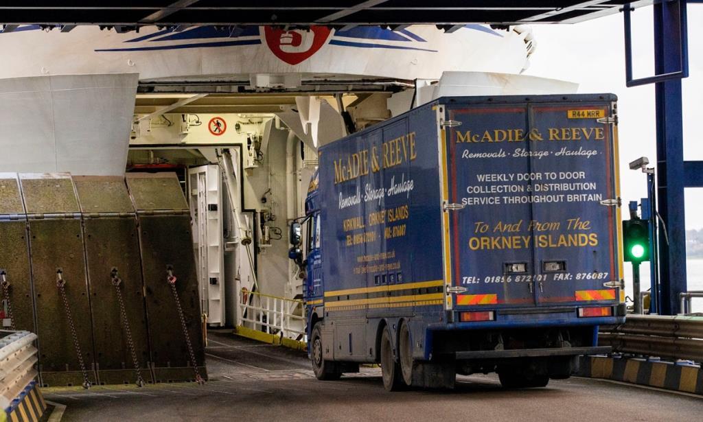 """In Clip: BREXITมาแล้ว! ลอนดอนยืนยัน สินค้าข้าม """"ทะเลไอริช"""" เข้าไอร์แลนด์เหนือ""""  ต้องผ่านด่านตรวจศุลกากร"""