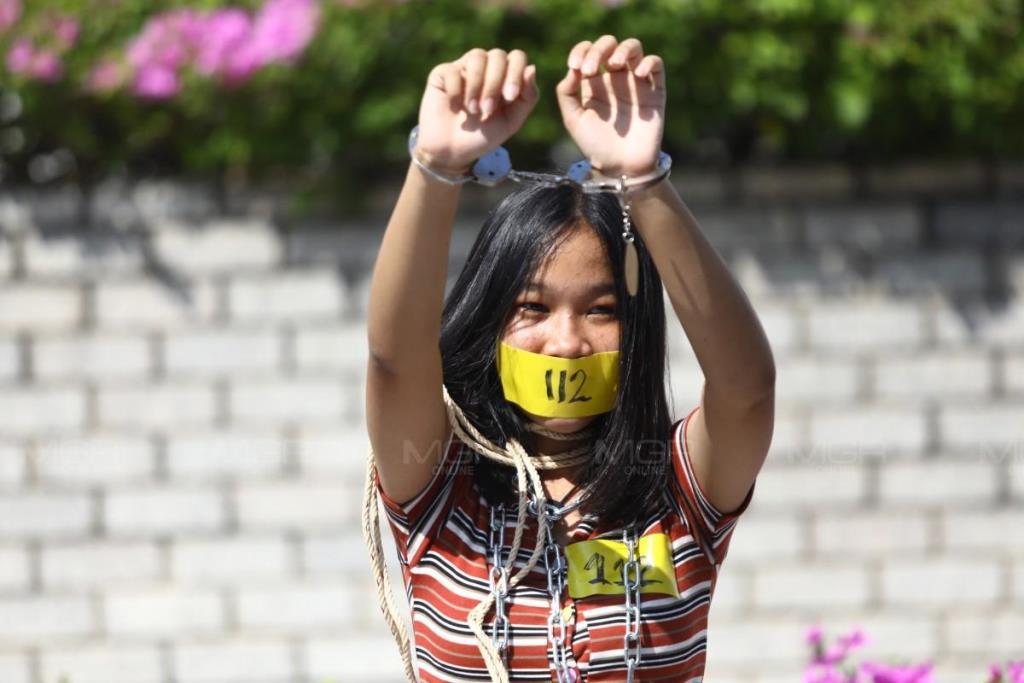 """""""สมยศ"""" บุกยื่นยูเอ็นบีบไทยเลิก ม.112 ลั่นยกระดับเคลื่อนไหวนานาชาติ โวเด็กมัธยมเห็นด้วยเพียบ"""