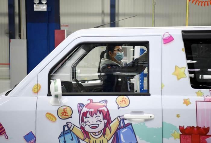 เริ่มผลิตแล้ว! รถยนต์อัจฉริยะพลังงานใหม่ไร้คนขับ 5G ในซานตง