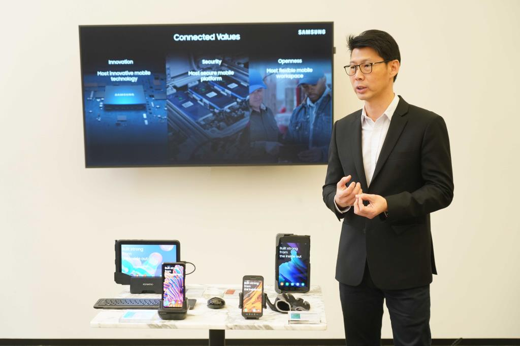 ผู้บริหารซัมซุงเผยว่าสินค้ากลุ่ม Rugged Device มียอดขาย 10 ล้านเครื่องทั่วโลกแล้ว สำหรับไทยนั้นเพิ่งเริ่มต้นในปี 2018 อัตราเติบโต 97% ปีนี้ คาดว่าจะเพิ่มขึ้นเป็นเท่าตัวได้ในปีหน้า