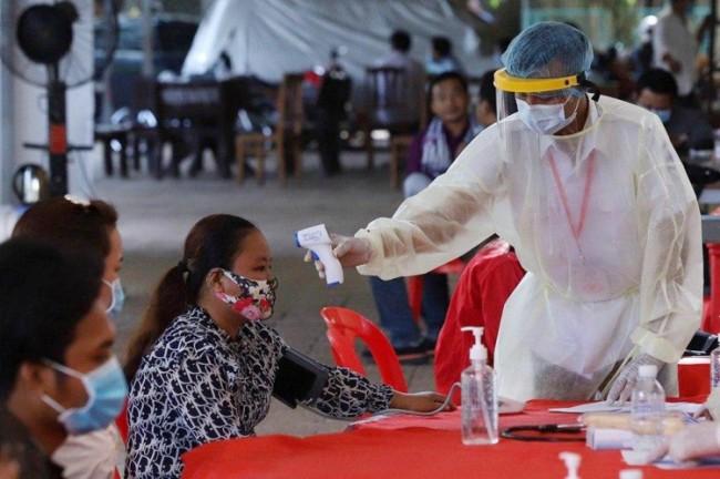 กัมพูชาออกคำสั่งด่วนให้จังหวัดที่มีพรมแดนติดไทยเฝ้าระวังเข้มสกัดโควิด