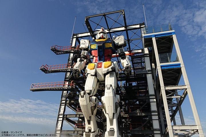 """หุ่นยักษ์เท่าจริง """"กันดั้ม"""" รับสถิติโลกกินเนส 2 รายการ"""