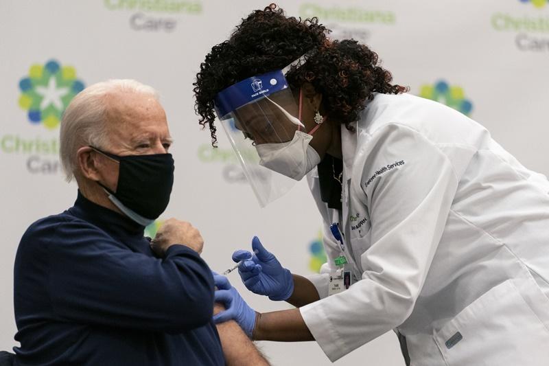 ผู้เชี่ยวชาญต่างชี้รับมือ'ไวรัสกลายพันธุ์'ได้  ขณะยอดติดเชื้อสะสมในสหรัฐฯทะลุ18ล้านคน