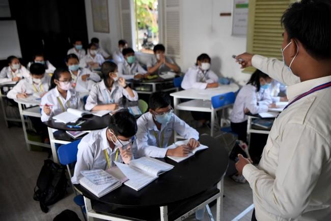 กัมพูชาเพิ่มเนื้อหาค้ามนุษย์สอนนักเรียนประถม-มัธยม หวังเด็กๆ รู้เท่าทันมากขึ้น