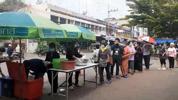ผู้เลี้ยงกุ้งราชบุรี กุ้งปรุงสุกทานฟรี สร้างความมั่นใจกลับมาทานกุ้งเชื่อมั่นปลอดภัยโควิด 19