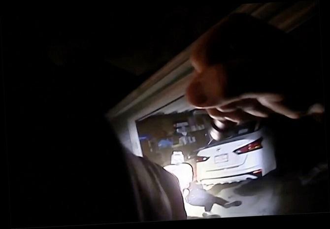 โหดได้อีก!ตำรวจสหรัฐฯรัวยิงปลิดชีพคนดำไม่มีอาวุธ หลังเผชิญหน้าแค่6วินาที(ชมคลิป)