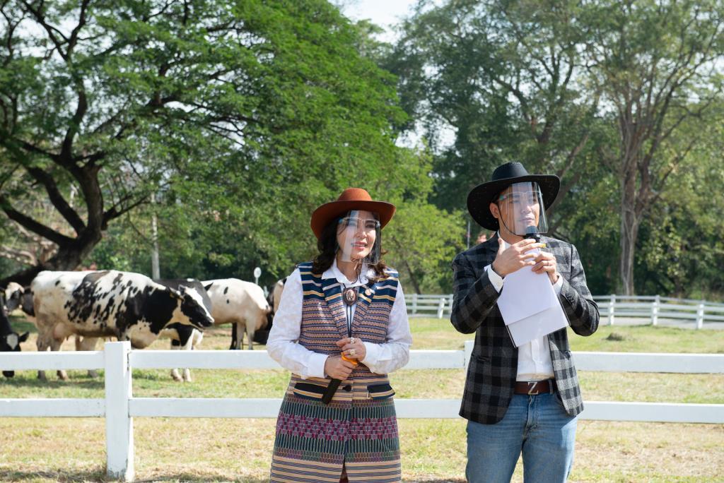 """อ.ส.ค. หนุนเกษตรกรโคนมไทยเข้าสู่วิถีใหม่ ส่งเสริมด้านนวัตกรรมและเทคโนโลยีโคนมไทยสู่ NEXT NORMAL เตรียมจัดงาน """"เทศกาลโคนมแห่งชาติ"""" ประจำปี 2564"""