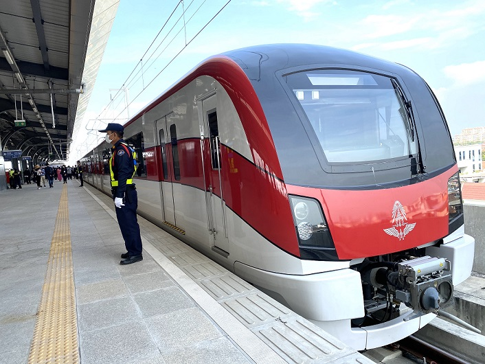 นับถอยหลัง!เปิดหวูดรถไฟสายสีแดง... เร่งกำจัดจุดอ่อน...ผุดฟีดเดอร์เชื่อม13สถานี-ค่าตั๋วต้องไม่แพง