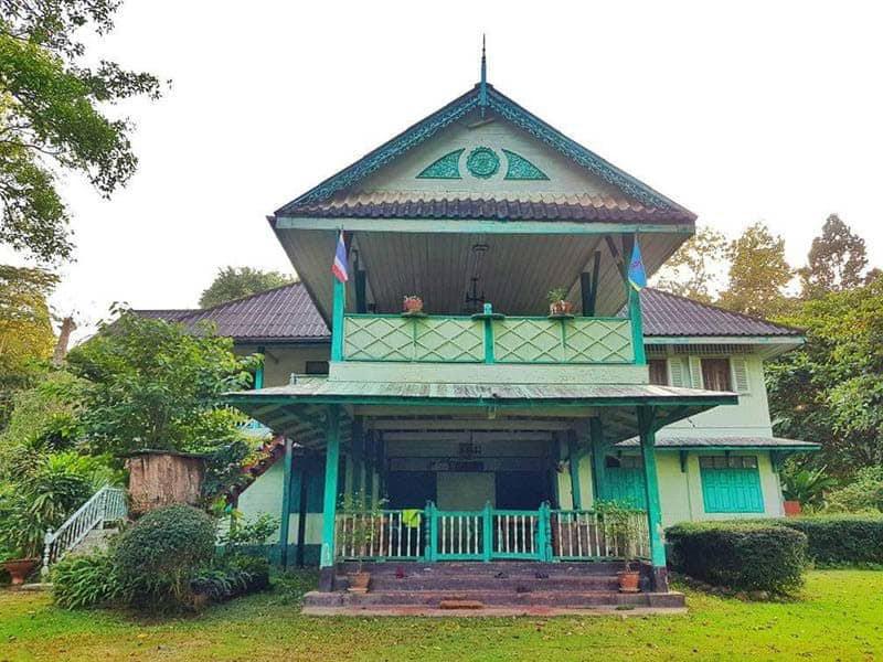 บ้านเขียวแพร่ ที่ถูกทุบทิ้ง (ภาพ FB ประชาสัมพันธ์ กรมอุทยานแห่งชาติ สัตว์ป่า และพันธุ์พืช)