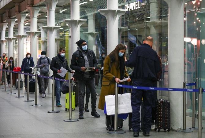 สาหัสแล้ว! ไวรัสกลายพันธุ์ทำ UK ติดเชื้อโควิดรายวันทุบสถิติ 4.1 หมื่นคน สเปนตายทะลุ 5 หมื่น