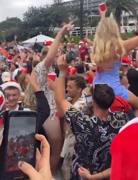 ออสซี่เดือด!ขู่เนรเทศนทท.ต่างชาติ กว่า300คนปาร์ตีริมหาดเย้ยกฎโควิด-19(ชมคลิป)